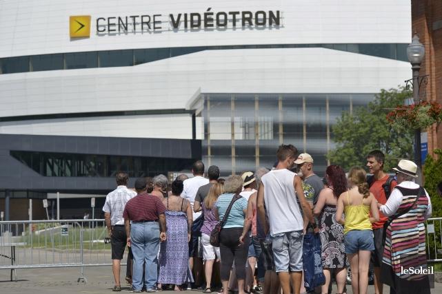 Céline Dion attirent un grand nombre de spectateurs... (Photothèque Le Soleil, Yan Doublet)