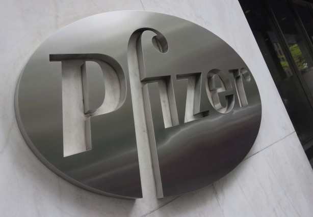Pfizer paiera environ 14 milliards$US pour l'acquisition de la pharmaceutique... (AFP, Don Emmert)