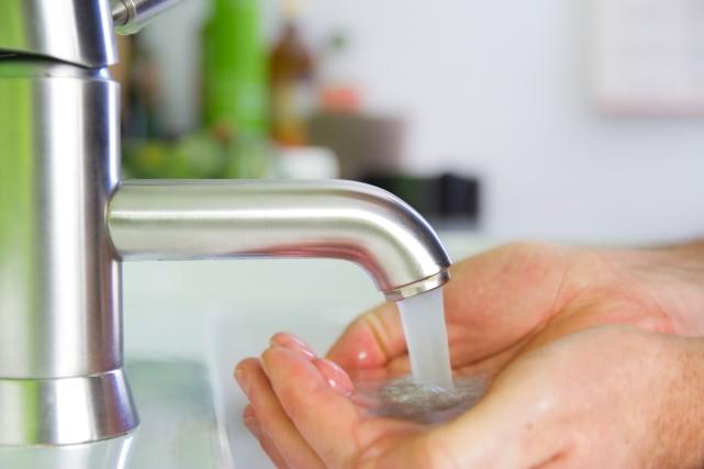 Les résidents de Sutton sont priés de faire bouillir leur eau à la suite de... (123RF.com)