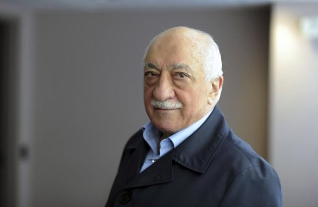 L'ex-imam Fethullah Gülencontinue de nier toute implication dans... (AFP)