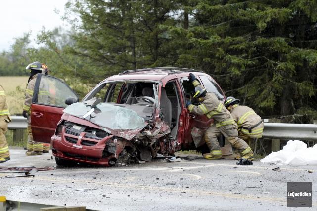 La route 170 a été bloquée pendant une... (Photo Le Quotidien, Jeannot Lévesque)