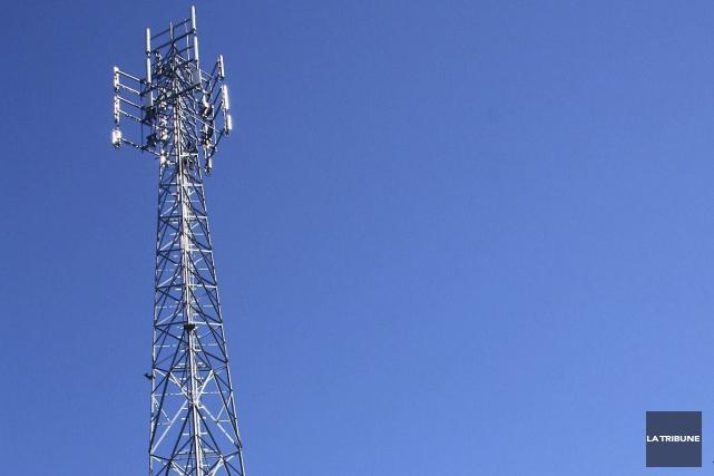 La tour de télécommunication que Bell mobilité souhaitait... (Jean-François Gagnon, Archives La Tribune)