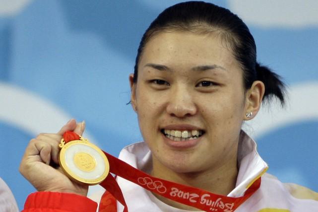 L'haltérophile chinoise Cao Lei a remporté la médaille... (Photo Andres Leighton, AP)