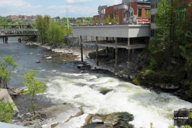 Le projet devaguedesurfau centre-ville de Sherbrooke a remporté le concours... (Archives La Tribune)