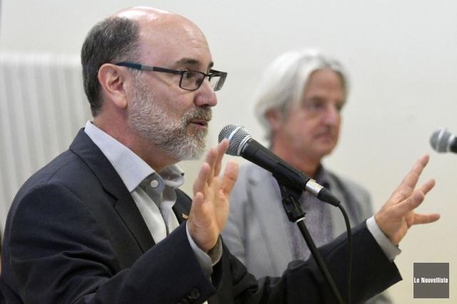 Robert Aubin et Alain Soulard tenaient une consultation... (Stéphane Lessard, Le Nouvelliste)