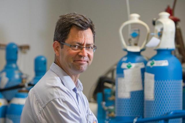 Монреаль: Легионы живых нанороботов научились точно поражать раковую опухоль