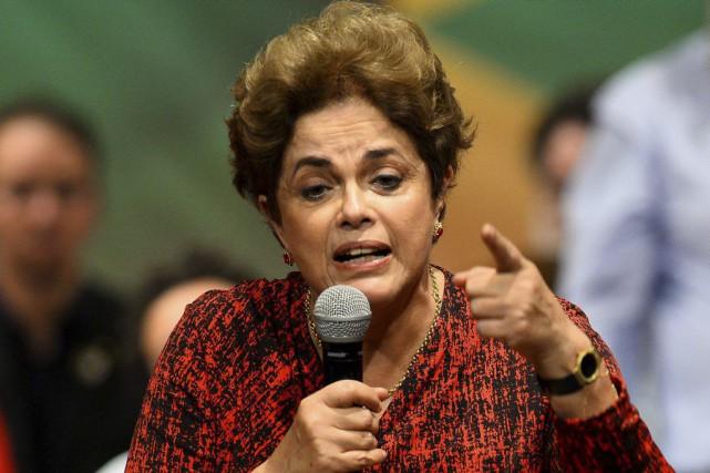 Le procès de Dilma Rousseff s'ouvre quatre jours... (PHOTO ANDRESSA ANHOLETE, ARCHIVES AFP)