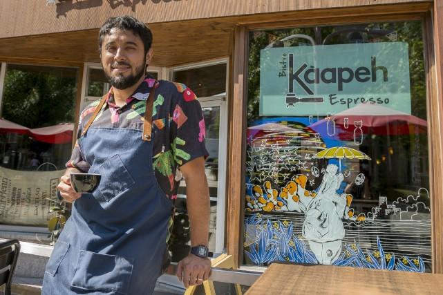 Alberto Navarro, propriétaire du Bistro Kaapeh Expresso, représentera... (Spectre Média, Marie-Lou Béland)