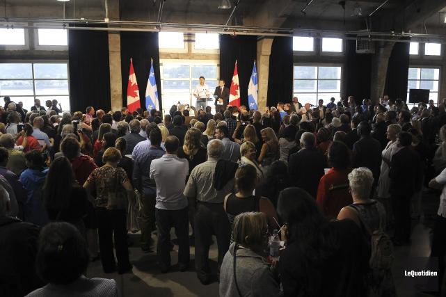 Députés et ministres libéraux se sont réunis à... (Photo Le Quotidien, Rocket Lavoie)