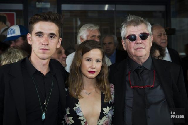 Émile Schneider, Juliette Gosselinet le cinéaste André Forcier,... (PHOTO OLIVIER PONTBRIAND LA PRESSE)