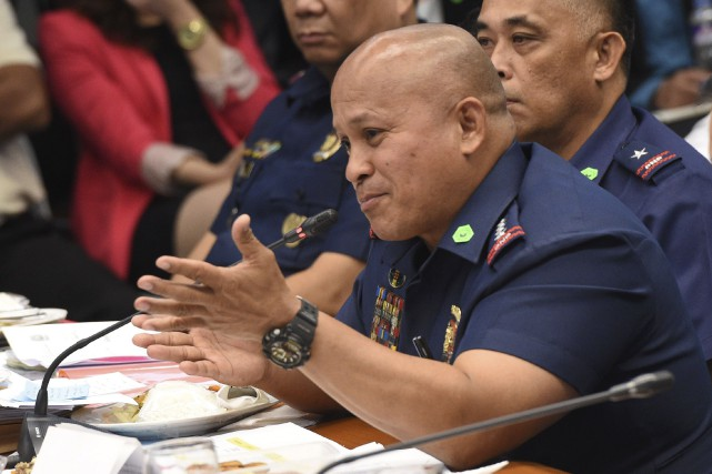 Roland Dela Rosa,patron de la police philippine, a... (AFP, Ted Aljibe)