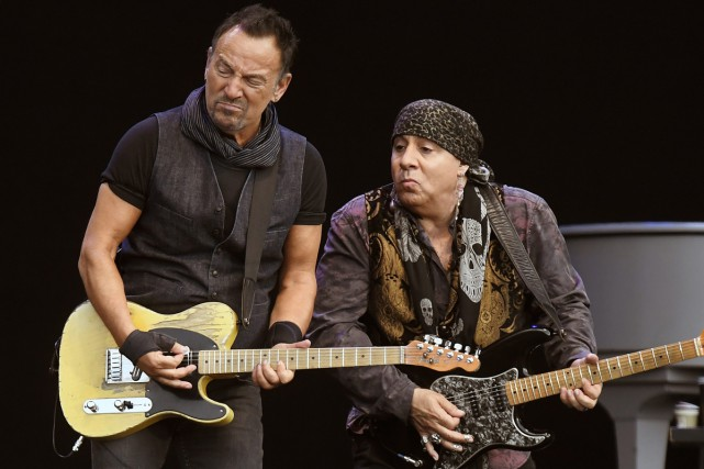 Bruce Springsteen et Stevie Van Zandt du E... (PHOTO ARCHIVES AP)
