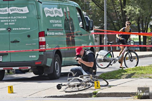 Le vélo circulait en direction sud sur la... (PHOTO PATRICK SANFAÇON, LA PRESSE)