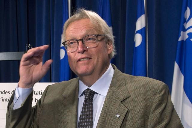 Le ministre de la Santé Gaétan Barrette... (La Presse canadienne, Jacques Boissinot)
