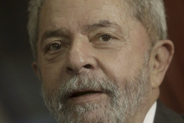L'ancien président Luiz Inacio Lula da Silva... (PHOTO Ricardo Moraes, archives Reuters)