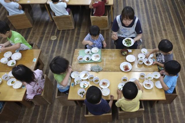Au moins 50 inaugurations de jardins d'enfants ont... (AFP, Kazuhiro Yogi)