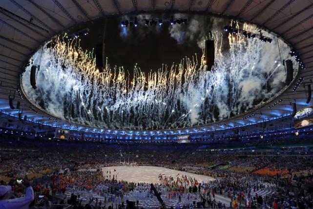 Comme pour la cérémonie d'ouverture, des feux d'artifice... (AP, Vincent Thian)