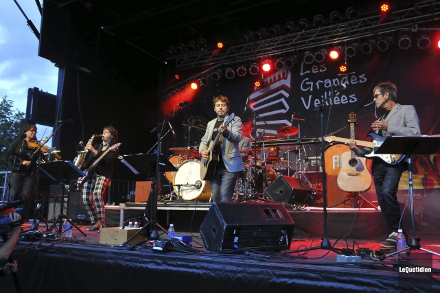 Le groupe Train d'Enfer a livré un spectacle... (Photo Le Quotidien, Rocket Lavoie)