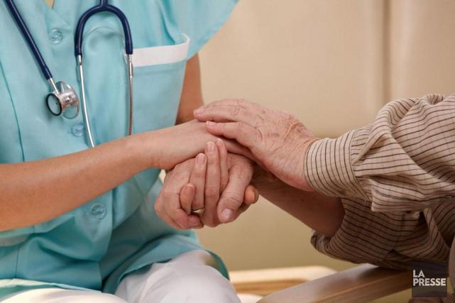 Une infirmière auxiliaire a écopé d'une radiation de cinq mois de son ordre... (PHOTO ARCHIVES LA PRESSE)