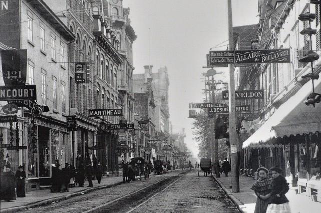 La rue Saint-Joseph en 1900... (JE Livernois)