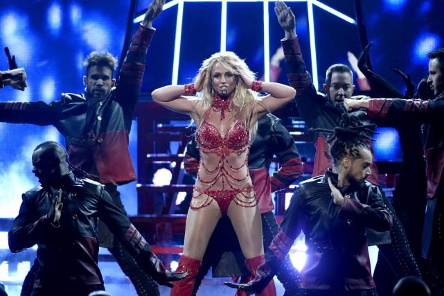 Britney Spears doit dévoiler dimanche son nouveau titreMake... (Archives AP, Chris Pizzello)