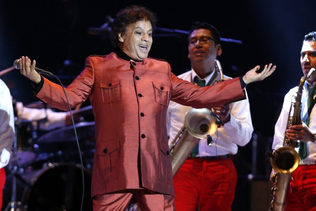 Juan Gabriel... (PHOTO LUKA CONZALEZ, ARCHIVES AFP)