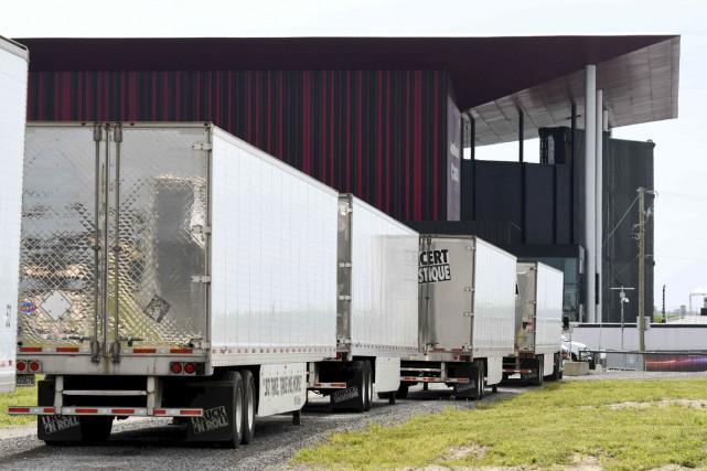 Les camions ont fait leur apparition sur le... (Andréanne Lemire)