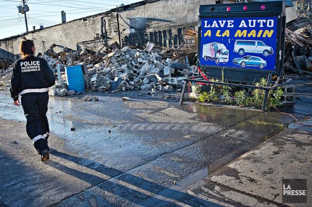 Puisque les dommages à l'édifice étaient considérables, les... (photo Patrick Sanfacon, La Presse)