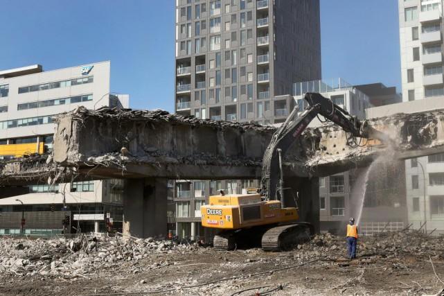 PHOTO ROBERT SKINNER, LA PRESSE-27/AOUT/2016--ACTUALITES-Demolition de l'autoroute Bonaventure....