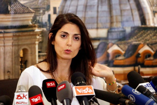 La mairesse de Rome, Virginia Raggi.... (Photo Remo Casilli, REUTERS)