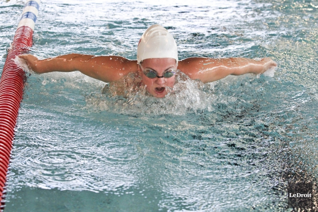 La nageuse Camille Bérubé... (Patrick Woodbury, LeDroit)