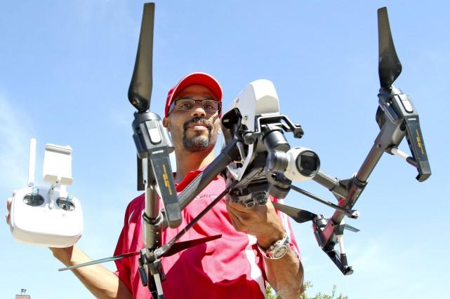 Ce sont les opérateurs certifiés de drones, comme... (Patrick Woodbury, LeDroit)