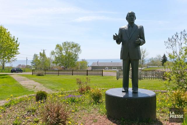 La statue de René Lévesque située dans le... (Archives La Presse)