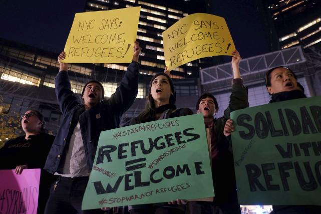Des militants des droits de l'Homme manifestaient en... (AFP, Jewel Samad)