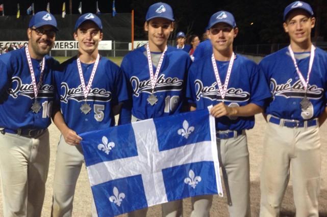 Cinq Mauriciens faisaient partie de l'équipe québécoise au... (Courtoisie)