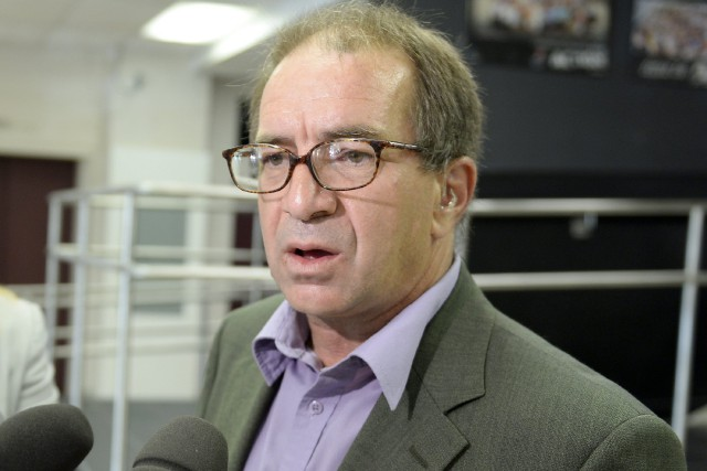 Le président de la Commission scolaire des Rives-du-Saguenay,...