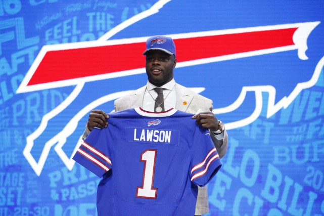 Shaq Lawson... (photo Kamil Krzaczynski, archives USA Today Sports)
