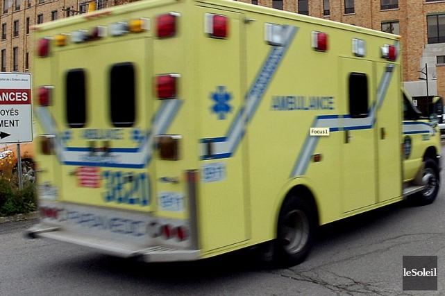 Un travailleur de 18ans a subi des blessures graves après s'être coincé la... (Photothèque Le Soleil, Jean-Marie Villeneuve)