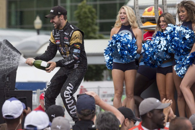 Le coureur automobile canadien James Hinchcliffe participera à... (La Presse Canadienne)
