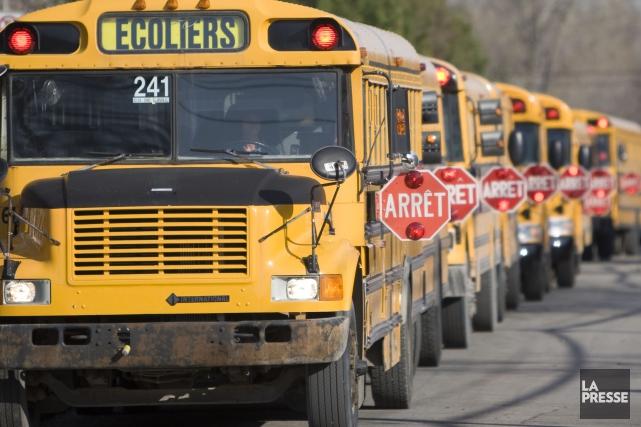 Le retour des autobus scolaires donne souvent lieu... (Archives La Presse)
