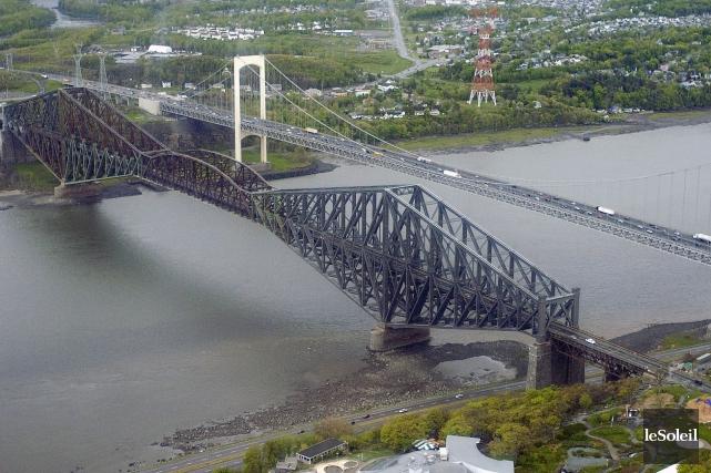 Le pont de Québec et le pont Pierre-Laporte... (Photothèque Le Soleil, Erick Labbé)