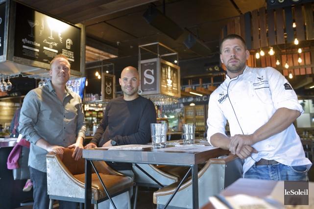 Les trois copropriétaires de Shaker Cuisine et Mixologie... (Le Soleil, Yan Doublet)