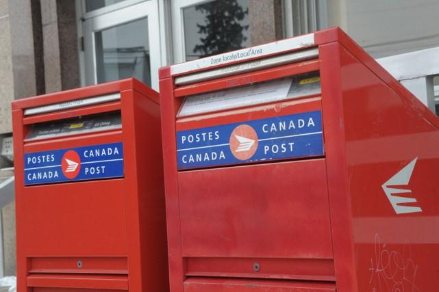Puisque Postes Canada nous a déjà mis dans l'ambiance des Fêtes avec son... (Le Quotidien)