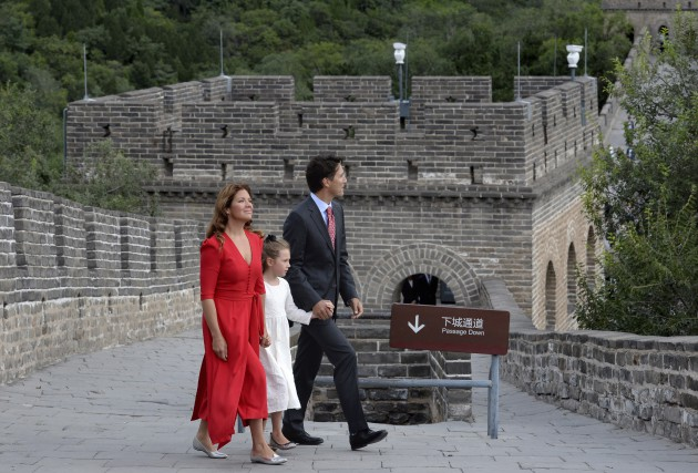 Justin Trudeau, Sophie Grégoire et leur fille Ella-Grace... (La Presse Canadienne, Adrian Wyld)