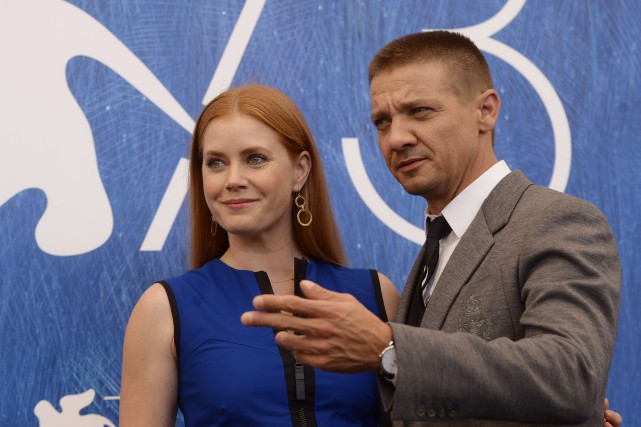 Amy Adams et Jeremy Renner, vedettes du film... (PHOTO AFP)