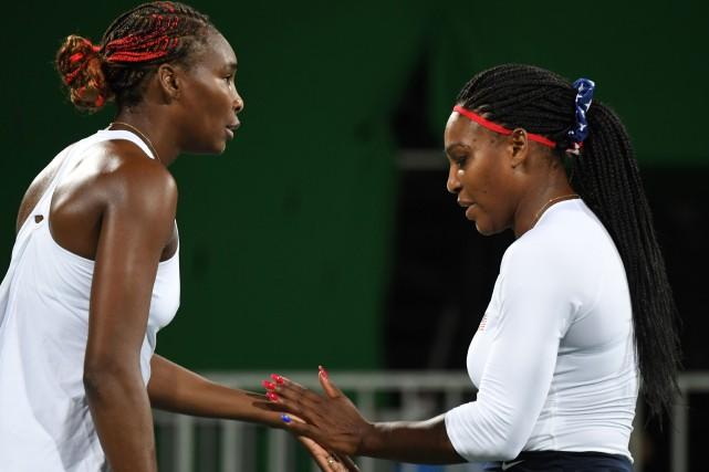 Venus et Serena Williams... (Photo Martin Bernetti, AFP)