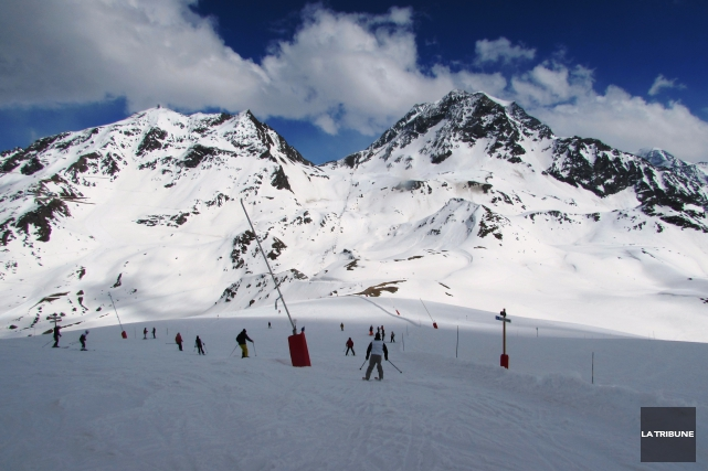 Les montagnes du domaine Paradiski, immenses, présentent un... (La Tribune, Jonathan Custeau)