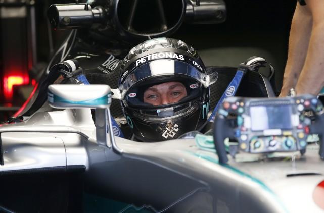 Nico Rosberg... (AP, Antonio Calanni)