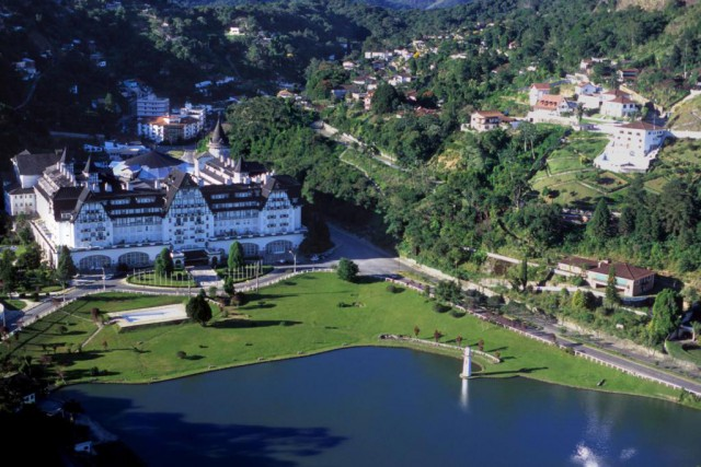 L'immense palais de Quitandinha, à Petrópolis.... (PHOTO THINKSTOCK)