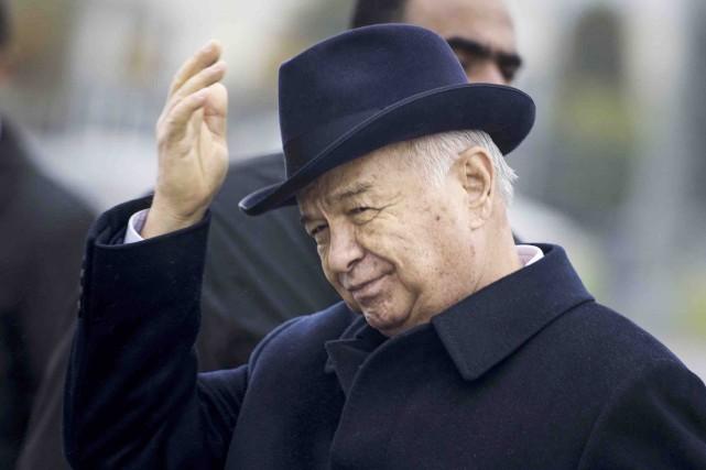 Islam Karimovs'est maintenu au pouvoir en éliminant tous... (Archives AP, Brendan Smialowski)